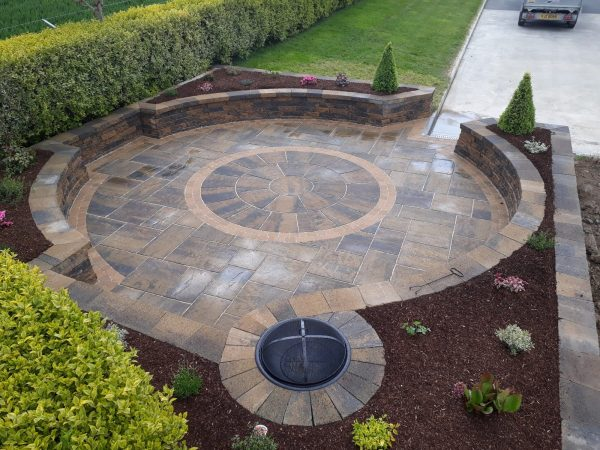 tobermore-historic-flags-circle-bracken-tegula-setts-golden-secura-lite-bracken-greenhill-garden-solutions-mytobermore-1[1]